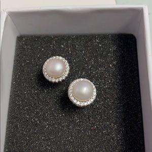 FRESHWATER CULTURED PEARL Halo earrings